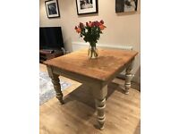 HAND PAINTED ANTIQUE VICTORIAN SOLID HEAVY PINE KITCHEN TABLE