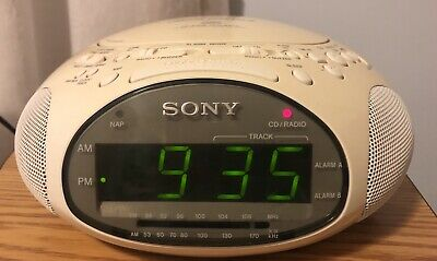 SONY~Dream Machine ICF-CD831~CD AM/FM Radio Alarm Clock~Working~White~Vintage