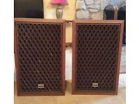Akai SW-135 - Classic 1970s Speakers