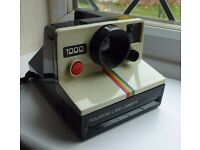 Polaroid 1000 Red Button