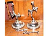 (#455) 3 x art deco style statues stands ? (Pick up only, Dy4 area)