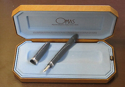 @@   OMAS 360  GREY HIGH TECH SILVER FOUNTAIN PEN MEDIUM PEN  IN BOX