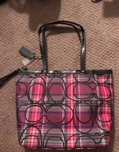 NEVER BEEN USED COACH PURSE