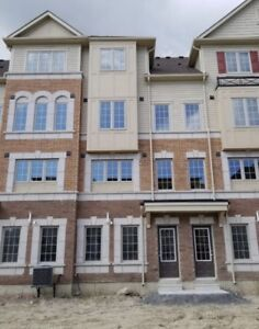 Great Townhouse in Oshawa for Rent