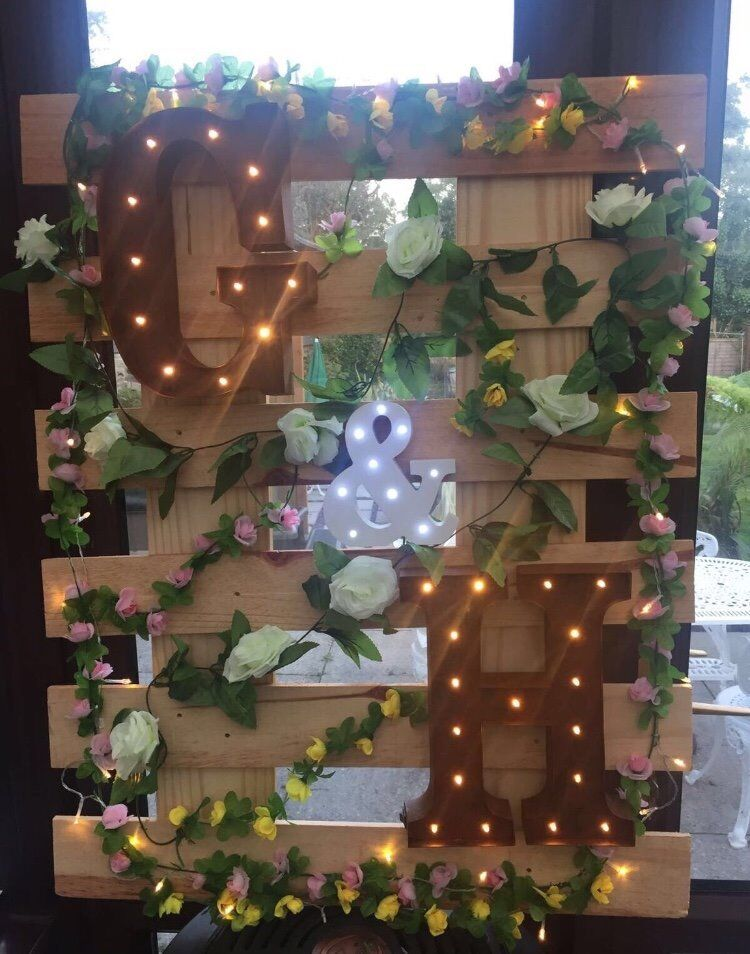 Wedding Pallet board with flowers