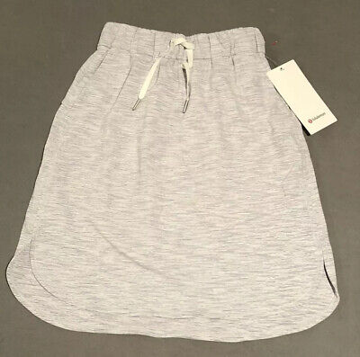 NWT Lululemon Size 4 On The Fly Skirt WSNB Gray White Stripe $88
