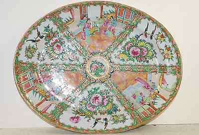 Famille rose medalion platter in excellent condition, late 18th century