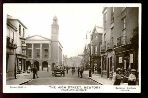 Hampshire-IOW-NEWPORT-The-High-Street-early-Davidsons-RP-PPC-street-scene