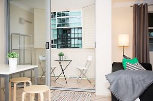 Room – New, Clean, Walk to Ferry, Bus, Shops & City Kangaroo Point Brisbane South East Preview