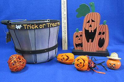Halloween Pumpkin Baskets Trick Or Treat Flocked Pumpkin Pic Wooden Figure Lot - Pumpkins Halloween Pics