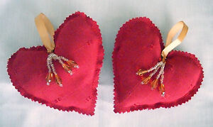 Luxury-shabby-chic-red-hanging-heart-Christmas-gift-decorations-sold-as-set-of-2