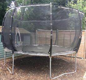 12ft Pum Magnitude trampoline with enclosure