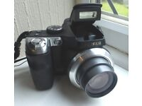 Fuji Finepix S8100 fd Bridge camera