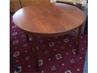 Extendable wooden dining table DELIVERY AVAILABLE