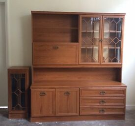 Wooden display cabinet *excellent condition*