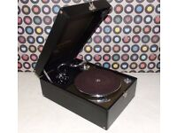 Vintage COLUMBIA 211A Wind Up Portable Gramophone.