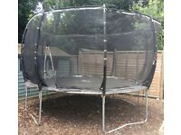 12ft Pum Magnitude trampoline with enclosure