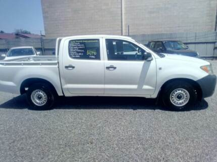 2006 TOYOTA HILUX WORKMATE 4X2 DUAL CAB GOOD KMS ONLY $6,990 Klemzig Port Adelaide Area Preview