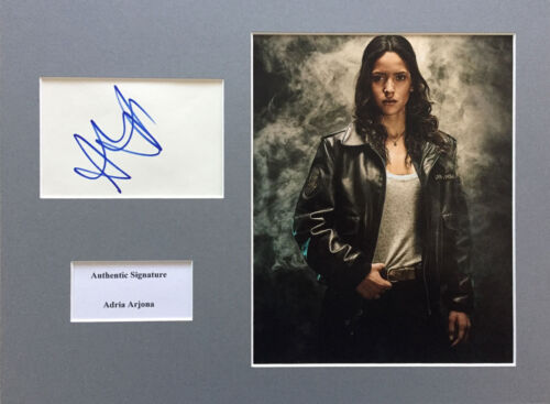 ADRIA ARJONA AUTHENTIC SIGNED EMERALD CITY 16X12 DISPLAY AFTAL UACC 14001 PROOF