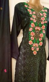 Ready-made, Fully Stitched Mehdni Suit - Zee.H.M Fashion