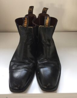 Vintage Black RM Williams. Craftsman size 10H.