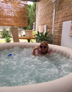 Palm Springs Lay-Z-Spa Inflatable Round Hot Tub Spa + Extras Mount Annan Camden Area Preview