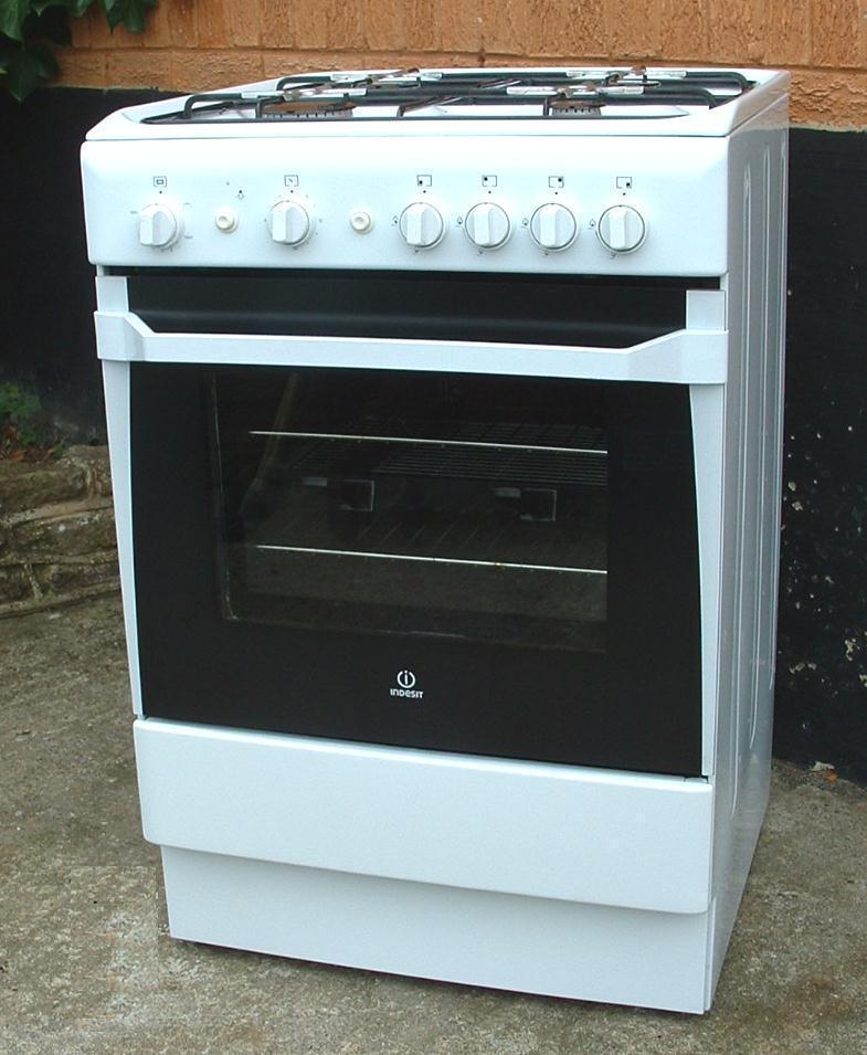 Indesit Cucina White Free Standing Four Burner Gas Cooker 60cm ...