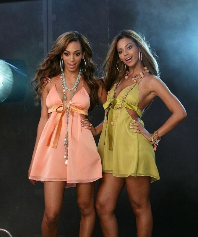 SOLANGE AND BEYONCE KNOWLES 8X10 GLOSSY PHOTO PICTURE