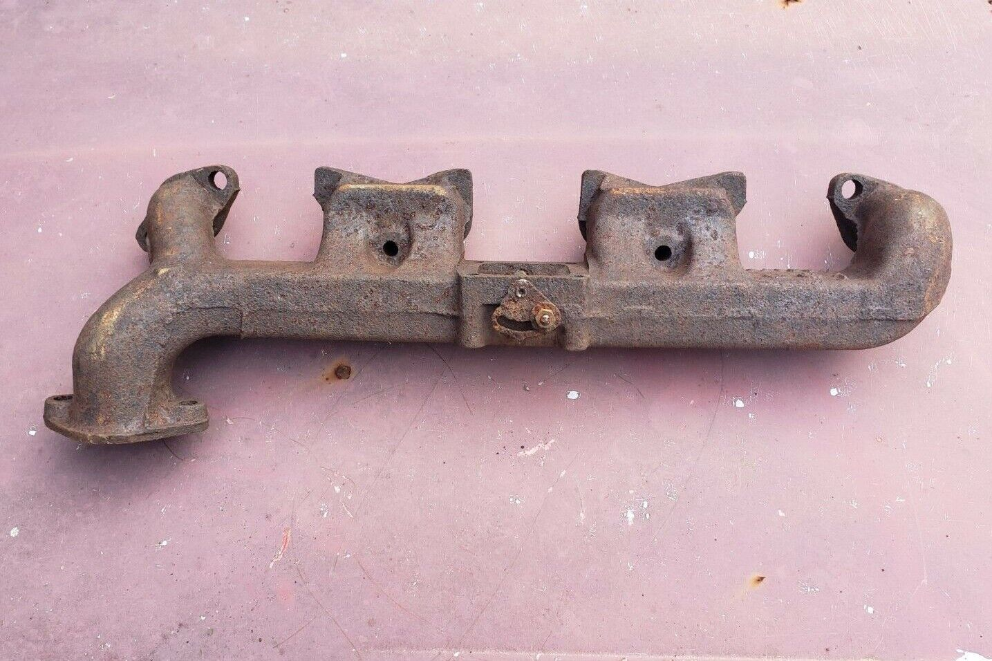 34 35 36 37 38 39 40 41 42 46 47 48 NOS PLYMOUTH EXHAUST MANIFOLD 201 218 230