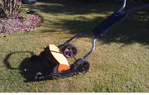 Fiskars High Performance Momentum Mower, Push Reel Lawn Mower