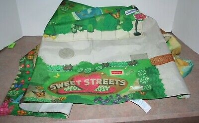 2001 Fisher Price Sweet Streets Play Mat Main Street town beach house hotel map