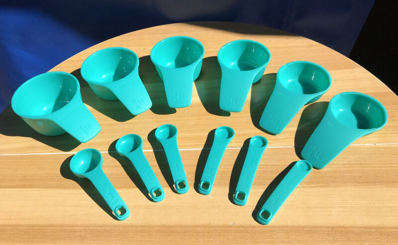 Tupperware Measuring Spoons And Cups Set of 6 Each Nesting Aqua Color NEW