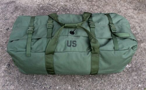 NEW US ARMY MILITARY ISSUE LARGE NYLON ZIPPERED IMPROVED DUFFLE BAG - GREEN