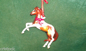 BREYER-2011-BREED-CHRISTMAS-ORNAMENT-THE-MUSTANG-FINE-PORCELAIN-NO-BOX