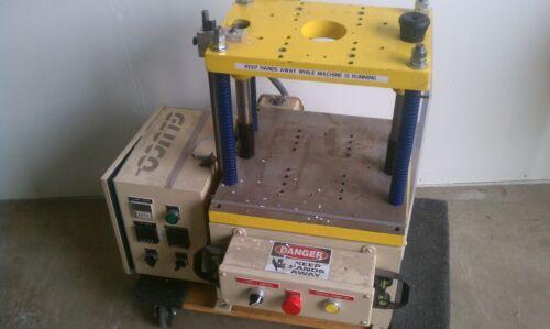 Gluco Molding Machine