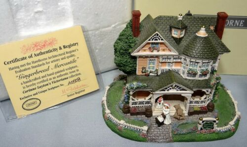 Hawthorne GINGERBREAD MERCANTILE Figurine Victoriana Coll Architectural Register