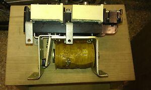Enorme-rele-relay-contattore-meccanico-bobina-24V-contatto-100-Ah-1NA-1NC