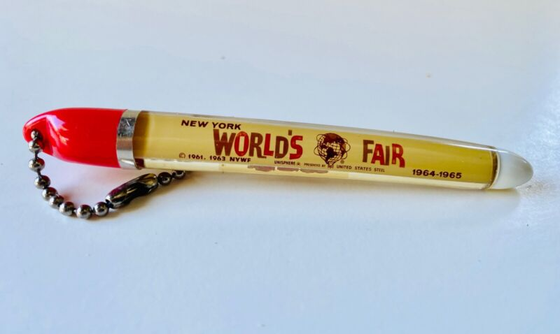 Vintage NEW YORK WORLDS FAIR 1964 - 1965 Souvenir KEY CHAIN UNISPHERE UNITED STA