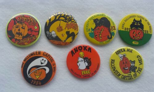 LOT OF 7 ANOKA MN HALLOWEEN CAPITAL WORLD BUTTONS PINBACKS 1979 – 1988