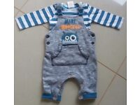 Bundle of boys clothes 0-3 months