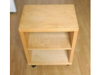Wooden shelve / table on wheels 11.8 kg | 52x40cm and 57.5 height