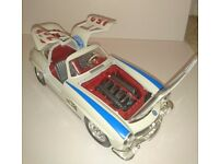 Car model mercedes sl 300 1;18
