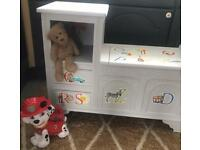 LOVELY CHILDS BEDROOM STORAGE AND TOYS
