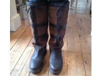 Brown leather Country / Walking/ Equestrian Style boots size 8
