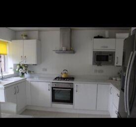 Taskers Kitchen Suite