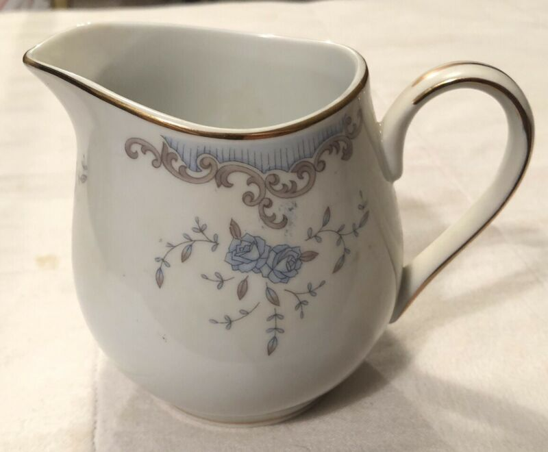 Imperial China SEVILLE W Dalton  5303 Blue Roses Creamer
