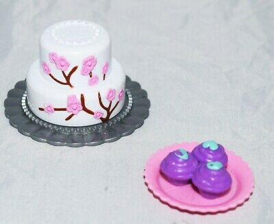 BARBIE DOLL DREAM HOUSE BAKE SHOP KITCHEN DIORAMA CUP CAKES 2 TIER CAKE PLATTER