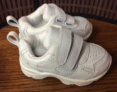 Toms infant toddler size 5 athletic style shoes white store display new F44
