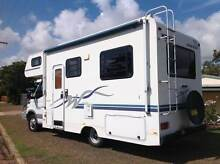 2005 Winnebago with everthing for the indpendent traveller Gladstone Surrounds Preview