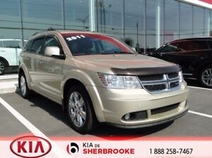 "2011 Dodge Journey R/T * AWD * CUIR * ECRAN 8 """" SUPER CLEAN *"